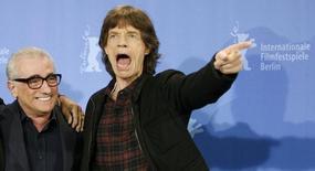 Cantor Mick Jagger (D) e o diretor Martin Scorsese em Festival de Berlim de 2008. 07/02/2008.    REUTERS/Fabrizio Bensch