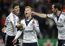 Meyer comemora gol do Schalke 04 contra o Maribor. 10/12/2014.   REUTERS/Srdjan Zivulovic