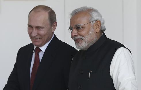 Putin meets Modi