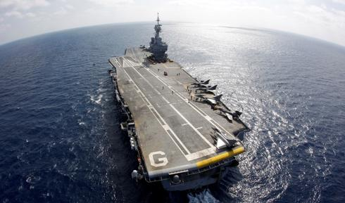 Hollande says aircraft carrier could support Iraq operations