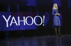 Marissa Mayer, PDG de Yahoo. La société californienne a dévoilé un projet consistant à créer une entité qui recueillerait sa participation de 15% dans le géant chinois du commerce en ligne Alibaba, ce qui permettrait de distribuer à ses actionnaires un investissement évalué à environ 40 milliards de dollars (35,16 milliards d'euros). /Photo prise le 7 janvier 2014/REUTERS/Robert Galbraith