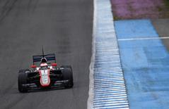 Piloto da McLaren Jenson Button, no circuito de Jerez, na Espanha, em foto de arquivo. 02/02/2015 REUTERS/Marcelo del Pozo