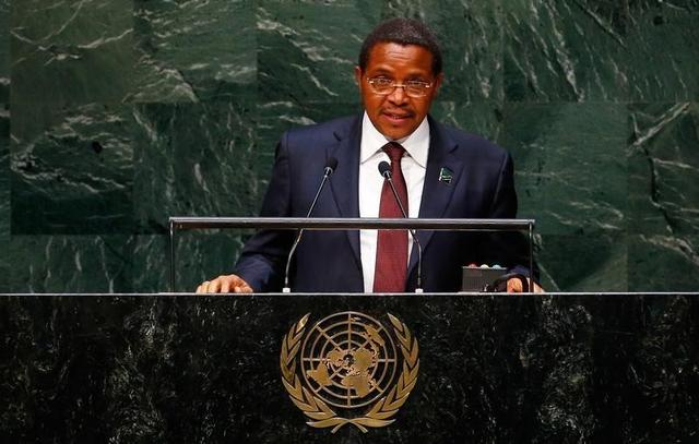 Jakaya Mrisho Kikwete, President of Tanzania, addresses the 69th United Nations General Assembly at the U.N. headquarters in New York September 25, 2014.                      REUTERS/Lucas Jackson