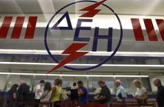 Le PDG de la première compagnie d'électricité grecque, PPC, a démissionné mercredi, quelques heures après son renvoi en correctionnelle pour abus de confiance. PPC est détenue à 51% par l'Etat grec. /Photo d'archives/REUTERS/John Kolesidis