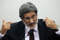 Ex-presidente da Petrobras José Sergio Gabrielli durante sessão da CPI da Petrobras, em Brasília, nesta quinta-feira. 12/03/2015 REUTERS/Ueslei Marcelino