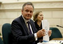 Bank of Canada Governor Stephen Poloz prepares to testify before the Commons finance committee on Parliament Hill in Ottawa April 28, 2015. REUTERS/Chris Wattie