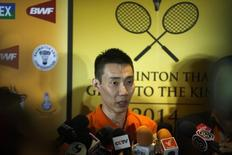 Malaysia's Lee Chong Wei speaks to media during a news conference in Bangkok November 21, 2014.  REUTERS/Athit Perawongmetha/Files