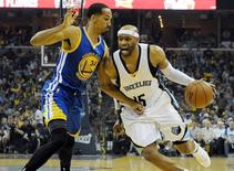 May 9, 2015; Memphis, TN, USA; Memphis Grizzlies guard Vince Carter (15) drives to the basket against Golden State Warriors guard Shaun Livingston (34) during game three of the second round of the NBA Playoffs at FedExForum. Mandatory Credit: Justin Ford-USA TODAY Sports