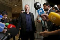 Greek Finance Minister Yanis Varoufakis arrives to make a statement to the media after meeting with Spanish Economy Minister Luis de Guindos in Madrid, Spain, May 8, 2015. REUTERS/Susana Vera