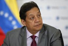 El ministro de petróleo de Venezuela, Asdrúbal Chávez, en una conferencia de prensa en Caracas, 9 de marzo de 2015. El ministro de Petróleo de Venezuela, Asdrúbal Chávez, dijo el martes que la mejor manera de alcanzar la estabilidad en el mercado petrolero es mediante acuerdos y la cooperación activa entre todos los exportadores. REUTERS/Carlos Garcia Rawlins