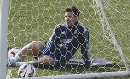 Argentina's Lionel Messi attends a training session during the Copa America soccer tournament in Vina del Mar, Chile June 27, 2015.   REUTERS/Rodrigo Garrido