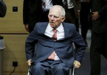 """El ministro de Finanzas alemán, Wolfgang Schaeuble, dijo el sábado que la confianza ha sido destruida """"de manera increíble"""" en los últimos meses de negociaciones por un rescate de Grecia y que las sugerencias están lejos de ser suficientes para un tercer paquete de ayuda. En la imagen, Schaeuble llega a la reunión del Eurogrupo de ministros de Finanzas de la zona euro en Bruselas, Bélgica. 11 julio 2015. REUTERS/Francois Lenoir"""