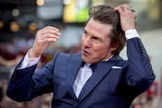 """Ator Tom Cruise posa no tapete vermelho antes da exibição do filme """"Missão Impossível"""", em Nova York, em julho. 27/07/2015 REUTERS/Brendan McDermid"""