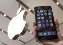 Iphone 6 Plus em loja da Apple, em Tóquio.  19/09/2014   REUTERS/Yuya Shino