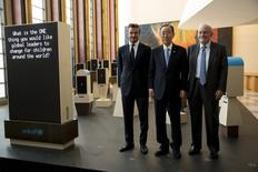 """(L-R) UNICEF Goodwill Ambassador David Beckham poses with United Nations Secretary General Ban Ki-Moon and UNICEF Executive Director Anthony Lake at the unveiling of a digital installation titled """"Assembly of Youth"""" at the United Nations in Manhattan, New York September 24, 2015. REUTERS/Andrew Kelly"""