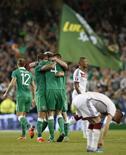 Jogadores da Irlanda comemoram vitória sobre Alemanha nas eliminatórias da Euro 2016. 08/10/2016 REUTERS/Phil Noble