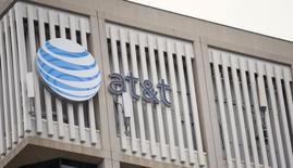 An AT&T Logo is pictured on the side of a building in Pasadena, California, January 26, 2015.  REUTERS/Mario Anzuoni