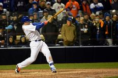 New York Mets third baseman David Wright hits a two-run single against the Kansas City Royals in the sixth inning in game three of the World Series at Citi Field. Robert Deutsch-USA TODAY Sports