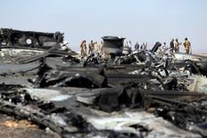 Обломки российского самолета в Египте. 1 ноября 2015 года. Глава Федеральной службы безопасности РФ Александр Бортников заявил, что катастрофа российского лайнера А321 в Египте произошла из-за взрыва на его борту самодельного взрывного устройства. REUTERS/Mohamed Abd El Ghany
