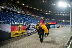 Football Soccer - Germany vs Netherlands - International Friendly - HDI Arena, Hanover, Germany - 17/11/15.REUTERS/Nigel Treblin