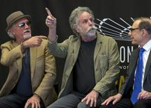 Grateful Dead members Bob Weir (C) and Bill Kreutzmann (L) attend The Madison Square Garden Walk of Fame Induction Ceremony at Madison Square Garden in New York, May 11, 2015. REUTERS/Brendan McDermid