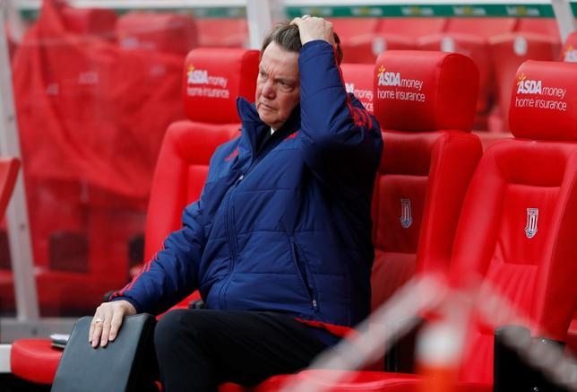 Football Soccer - Stoke City v Manchester United - Barclays Premier League - Britannia Stadium - 26/12/15Manchester United manager Louis van Gaal looks dejectedAction Images via Reuters / Carl Recine