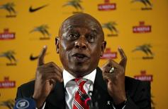 South African businessman and former political prisoner Tokyo Sexwale speaks during a media briefing at SAFA house in Johannesburg, October 27, 2015.  REUTERS/Siphiwe Sibeko