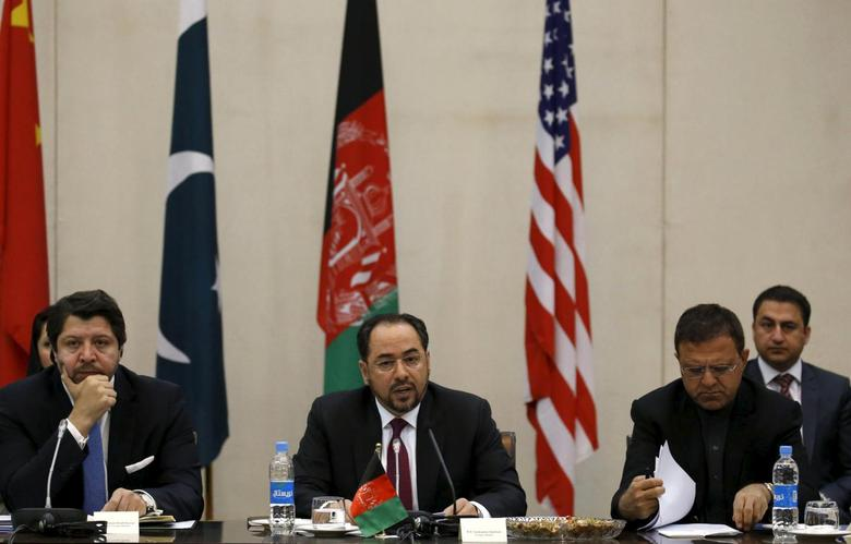 Afghanistan's Foreign Minister Salahuddin Rabbani (C) speaks during a one day meeting with Pakistan, United State and Chinese delegations in Kabul, Afghanistan January 18, 2016.  REUTERS/Omar Sobhani