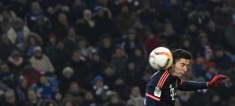 Lewandowski durante partida do Bayern de Munique contra o Hamburgo. 22/01/2016  REUTERS/Fabian Bimmer