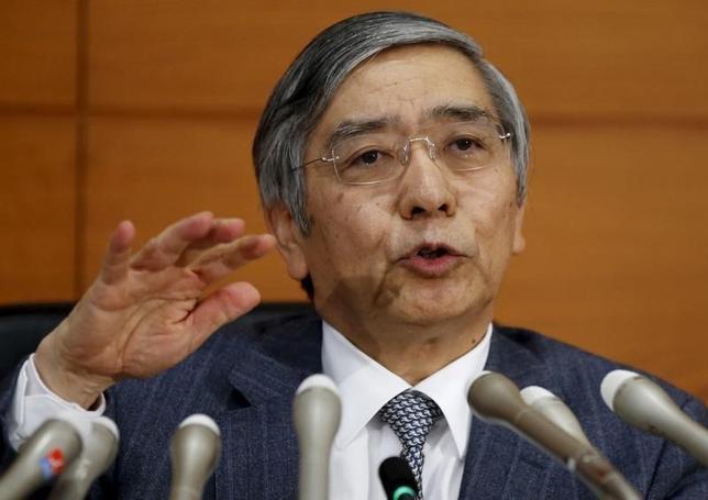2月4日、黒田東彦日銀総裁は午後の衆院予算委員会で、先に導入を決めたマイナス金利付き量的・質的金融緩和(QQE)について「いたずらに長くやるものではない」との認識を示した。写真は都内で昨年12月撮影(2016年 ロイター/Toru Hanai)