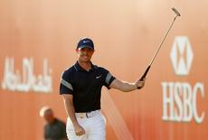 Golf - Abu Dhabi HSBC Golf Championship - Abu Dhabi Golf Club, United Arab Emirates - 24/1/16 Northern Ireland's Rory McIlroy celebrates his eagle at the 18th hole during the final round Action Images via Reuters / Paul Childs Livepic