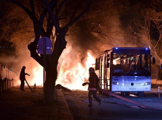 Firefighters prepare to extinguish fire after an explosion in Ankara, Turkey, February 17, 2016. REUTERS/Ihlas News Agency
