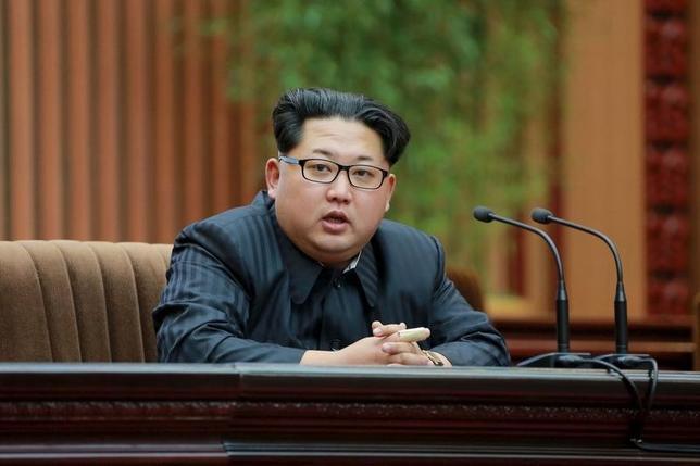 2月21日、米国務省のジョン・カービー報道官は、朝鮮戦争を正式に終結させる平和協定締結のための交渉を北朝鮮が提案してきたが、拒否したことを明らかにした。写真は19日KCNA提供(2016年 ロイター)