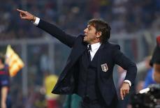 Técnico da seleção da Itália, Antonio Conte, durante partida contra o Azerbaijão pelas eliminatórias da Euro 2016 em Palermo. 10/10/2014 REUTERS/Tony Gentile