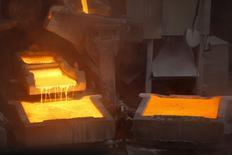 La planta de cátodos de cobre de Enami en Tierra Amarilla, Chile, dic 15, 2015. Los precios del cobre cayeron el miércoles en Londres, presionados por la fortaleza del dólar después de comentarios de funcionarios de la Reserva Federal de Estados Unidos y mientras los inversores aseguraban ganancias recientes.  REUTERS/Ivan Alvarado