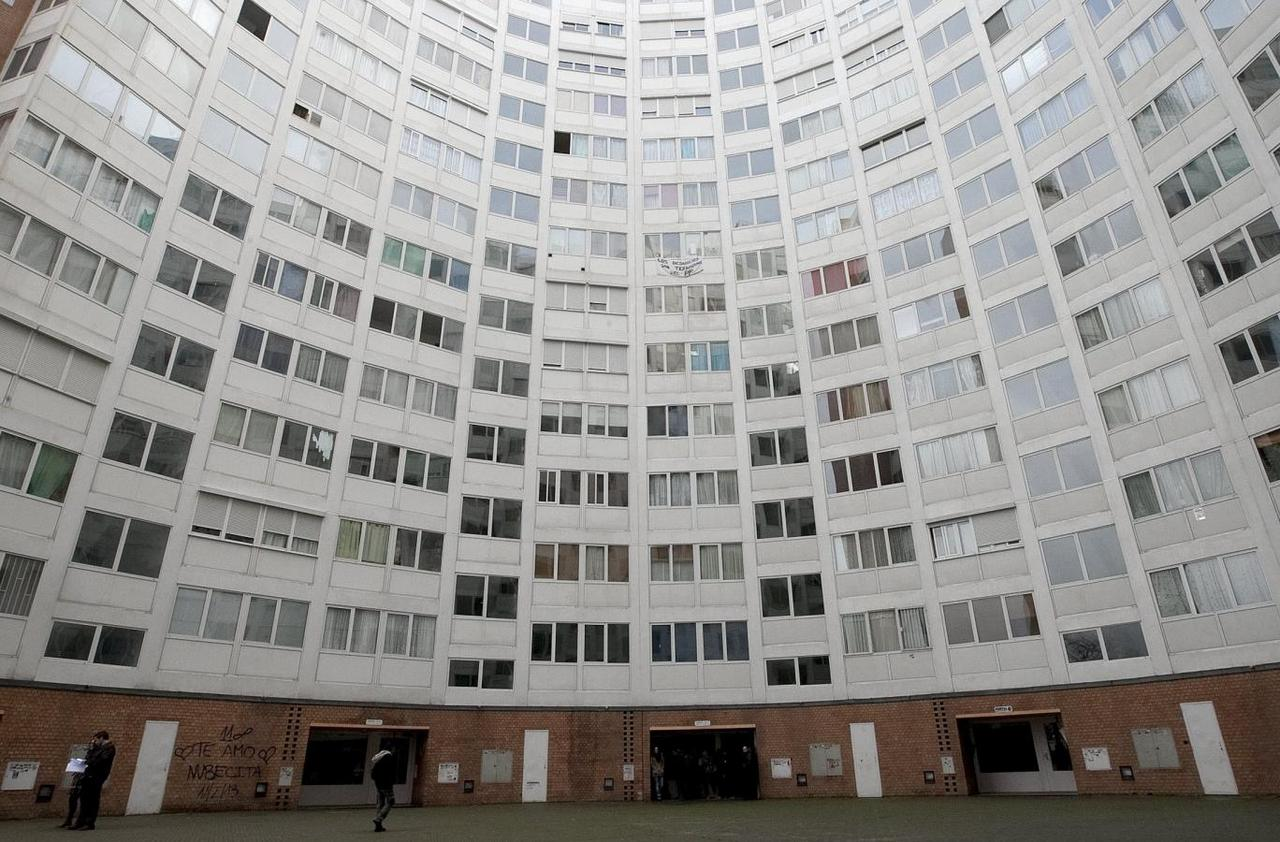 Spanish social housing sale to Blackstone was flawed