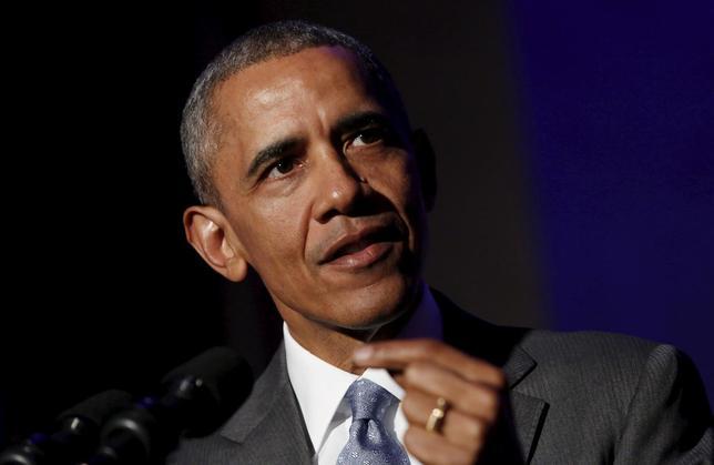 4月13日、オバマ米大統領(写真)は、新設した「米国家サイバーセキュリティー強化委員会」の委員に、マスターカードのアジャイ・バンガ最高経営責任者(CEO)、キース・アレクサンダー前国家安全保障局(NSA)局長、マイクロソフトやウーバーなど企業の幹部らを指名した。写真はワシントンで3月撮影(2016年 ロイター/Yuri Gripas)