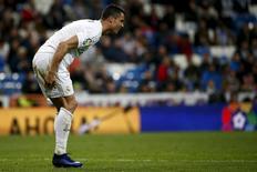 Football Soccer - Spanish Liga BBVA - Real Madrid v Villarreal - Santiago Bernabeu stadium, Spain - 20/04/16. Real Madrid's Cristiano Ronaldo reacts during the match REUTERS/Juan Medina