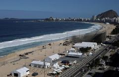 Área de construção da arena olímpica de vôlei de praia em Copacabana, no Rio de Janeiro. 13/06/2016 REUTERS/Ricardo Moraes