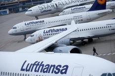 Lufthansa airplanes are parked on the tarmac during a strike by cabin crew union (UFO) at Frankfurt airport, Germany, November 13, 2015. REUTERS/Ralph Orlowski/File Photo
