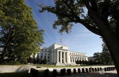 Edificio de la Reserva Federal en Washington, 16 de septiembre de 2015. REUTERS/Kevin Lamarque