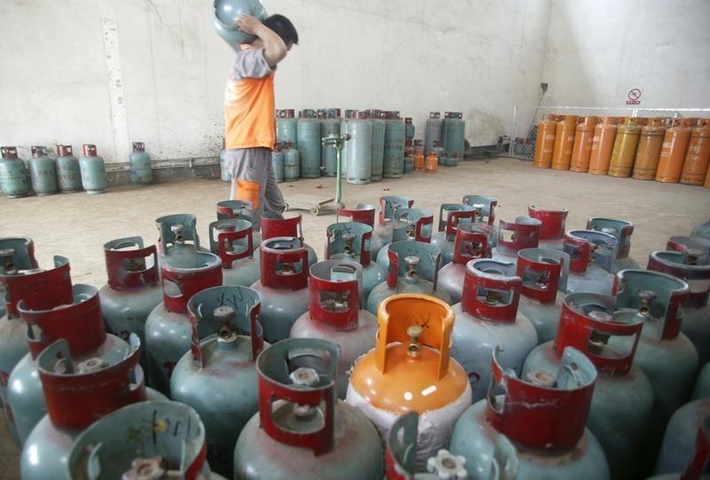 Oil traders lose millions as LPG glut shocks market - Reuters