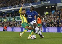 Britain Football Soccer - Everton v Norwich City - EFL Cup Third Round - Goodison Park - 20/9/16 Norwich City's Josh Murphy in action with Everton's Yannick Bolasie  Action Images via Reuters / Ed Sykes Livepic