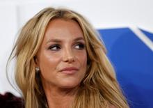 Singer Britney Spears arrives at the 2016 MTV Video Music Awards in New York, U.S., August 28, 2016.  REUTERS/Eduardo Munoz/File Photo