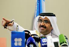 Le président en exercice de l'Opep, le ministre de l'Energie du Qatar, Mohammed bin Saleh al-Sada. Les producteurs américains de pétrole de schiste attendaient ce moment depuis plus de deux ans : les pays membres de l'Opep se sont finalement résolus à réduire leur production de brut pour soutenir les cours du pétrole. /Photo prise le 28 septembre 2016/REUTERS/Ramzi Boudina