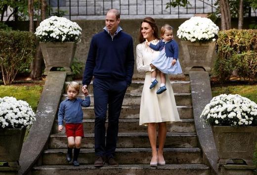 Britain's Prince William, Catherine, Duchess of Cambridge, Prince George and Princess Charlotte. Photo: Chris Wattie / Reuters