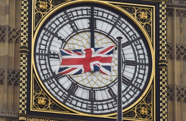 9月30日、市場調査会社GfKが公表したデータによると、9月の英消費者信頼感指数はマイナス1と、前月のマイナス7から大きく改善し、欧州連合(EU)離脱決定前の水準に回復した。写真はロンドンで2月撮影(2016年 ロイター/Toby Melville)