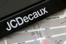 JCDECAUX, à suivre vendredi à la Bourse de Paris, a annoncé jeudi que sa filiale japonaise avait remporté des contrats d'abribus publicitaires à Tokyo. /Photo d'archives/REUTERS