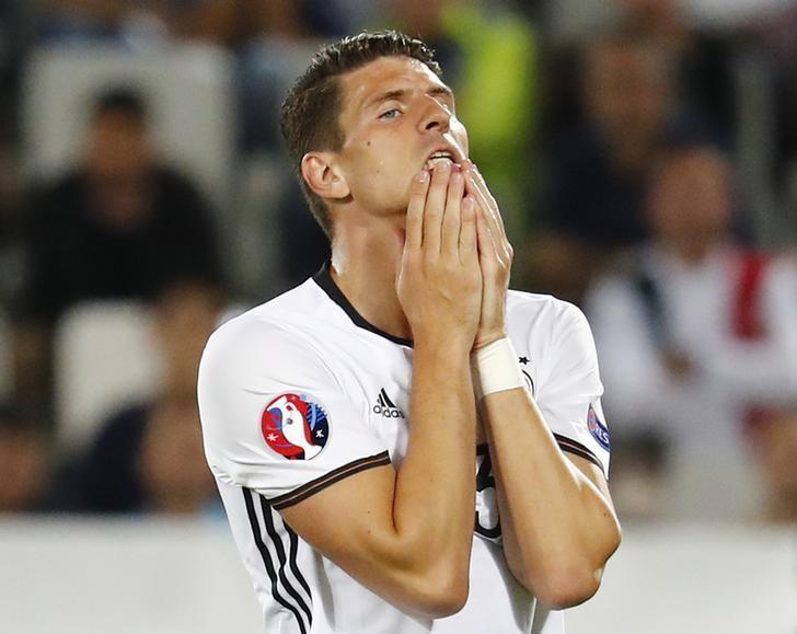 Football Soccer - Germany v Italy - EURO 2016 - Quarter Final - Stade de Bordeaux, Bordeaux, France - 2/7/16Germany's Mario Gomez in action REUTERS/Michael Dalder