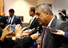 El ministro de Petróleo de Venezuela, Eulogio Del Pino, en una rueda de prensa en Viena, June 2, 2016. Un posible acuerdo entre países productores de petróleo para reducir su bombeo con miras a impulsar los precios del hidrocarburo sacaría del mercado 1,2 millones de barriles por día (bpd), dijo el martes el ministro de Petróleo de Venezuela.    REUTERS/Leonhard Foeger